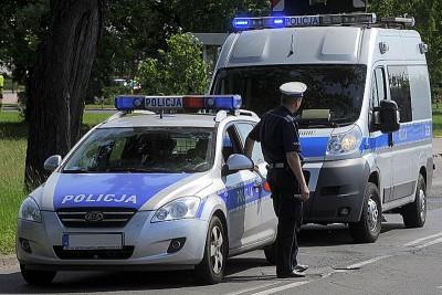 800px-Policyjne_radiowozy