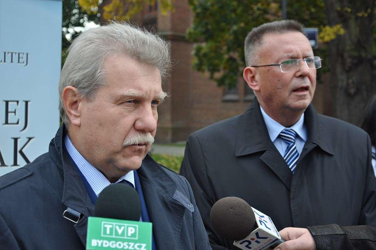 kobiak, ostrowski, konferencja