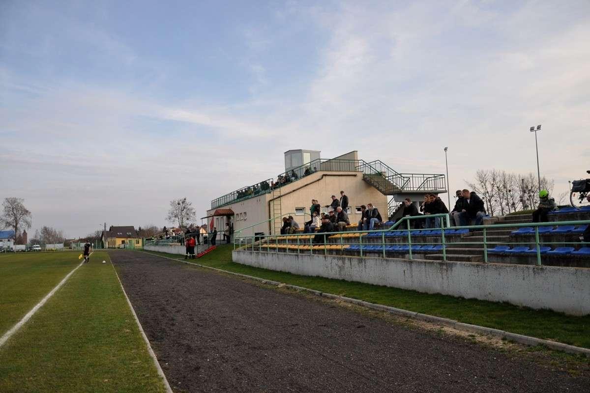 stadion pilka Nowe