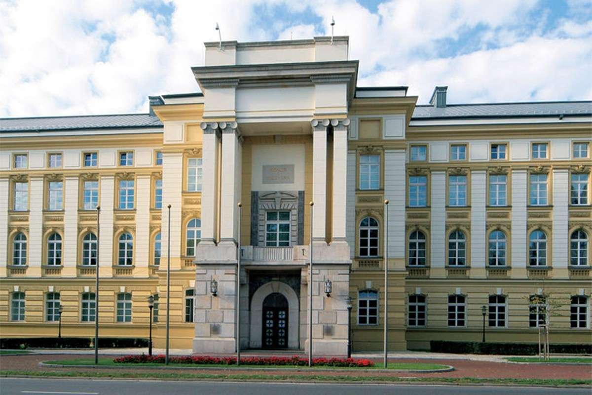 800px-Kancelaria_Prezesa_Rady_Ministrow