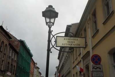 bydgoska_aleja_autografow_znak