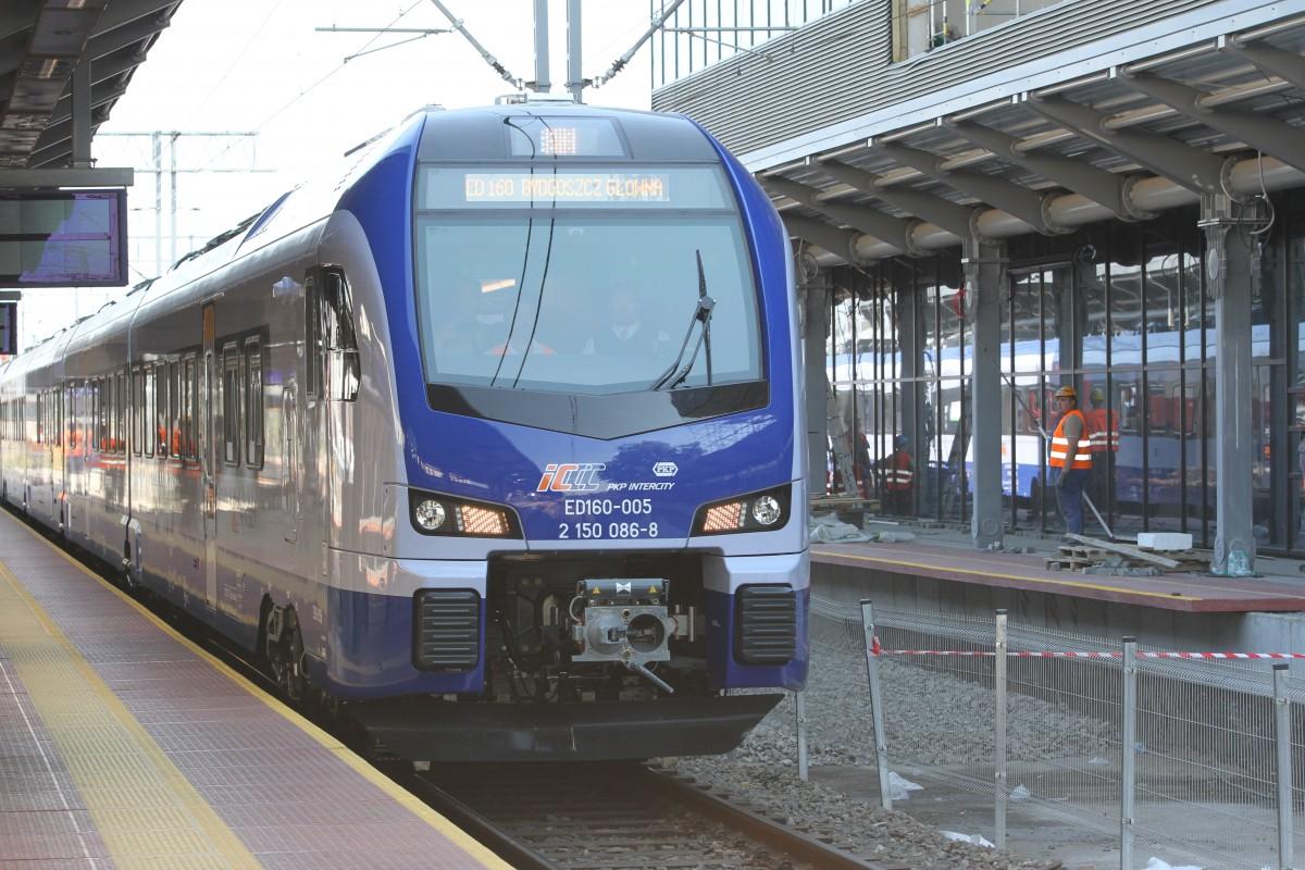 Flirt, pociąg, kolej, PKP Intercity, Stadler, Newag - ED (1)