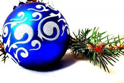 christmas-baubles-1043175_1280