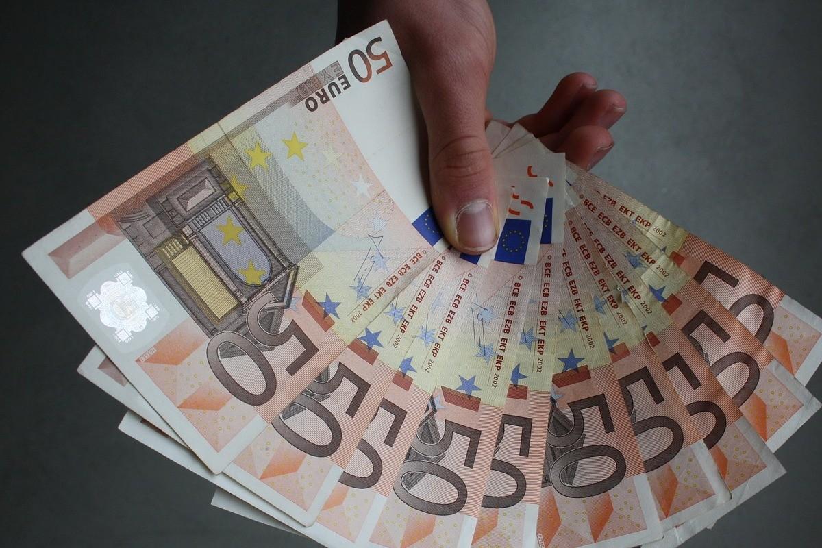 euro-867410_1280
