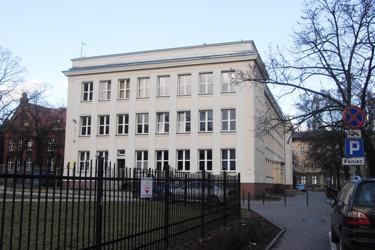 Gimnazjum nr 25, ulica Fredry - LG (1)