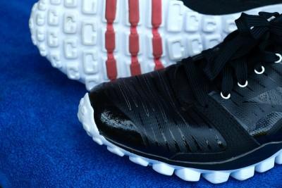 sneakers-332126_1280