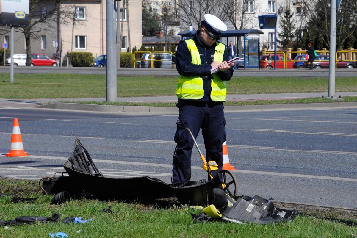 Wypadek karetki z taksówką, Rondo Skrzetuskie - LG (4)