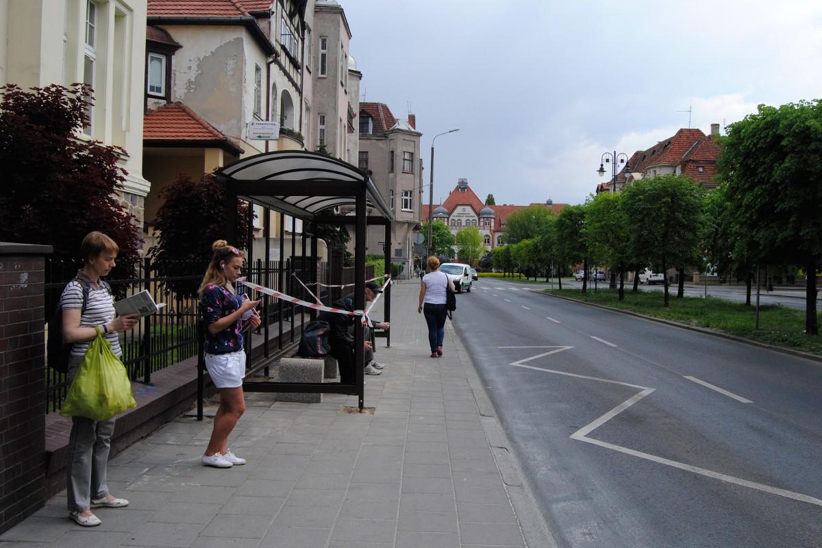 Przystanek autobusowy - al. Mickiewicza, wiata - LG (3)