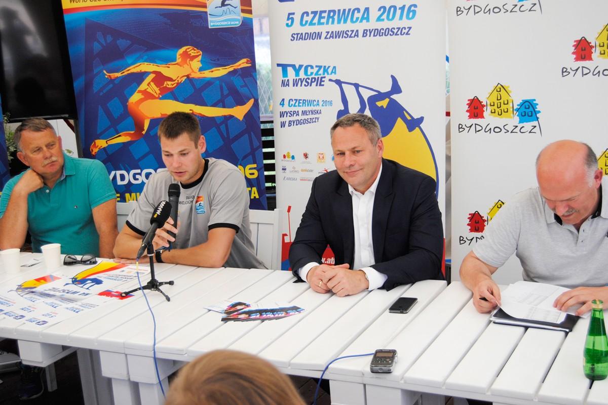 Wiesław Czapiewski, Paweł Wojciechowski, Rafał Bruski, Krzysztof Wolsztyński - LG (2)