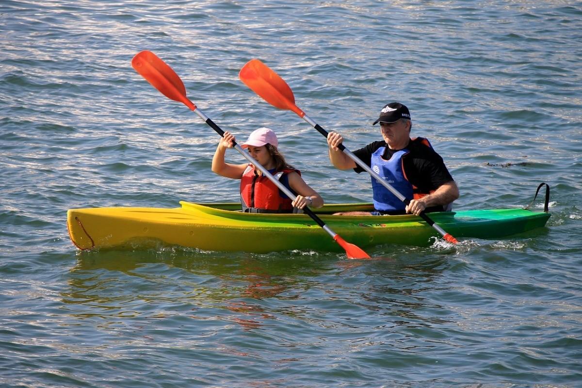 canoeing-630014_1280
