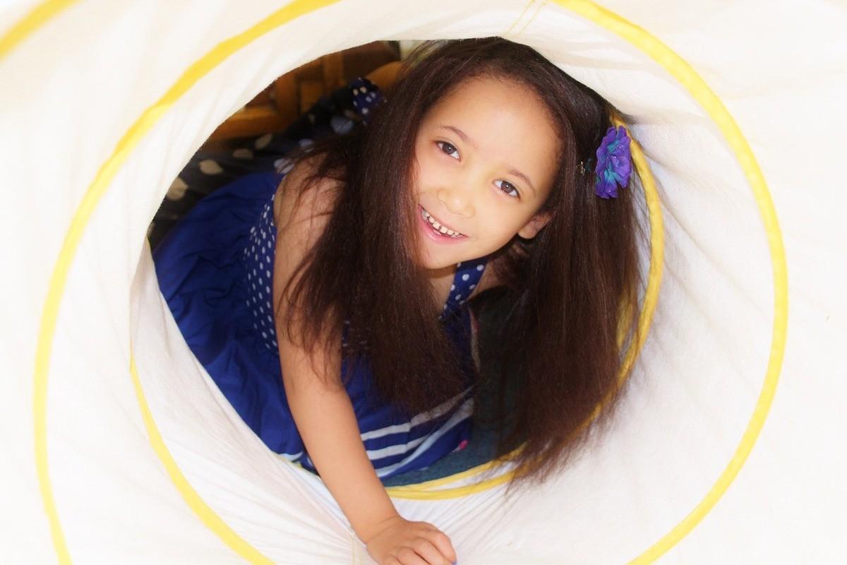 child-587701_1280