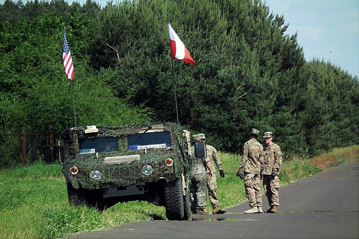 Amerykańscy żołnierze na bydgoskim lotnisku