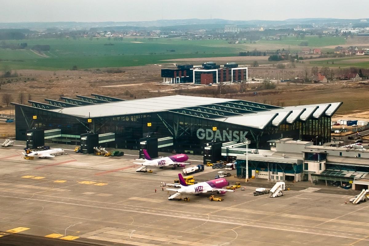 Port_Lotniczy_im_Lecha_Walesy_Terminal_2