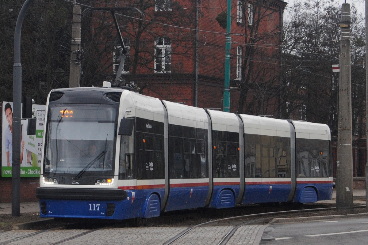 Tramwaj PESA - linia 10, Niepodległości, ulica Gdańska - LG (3)