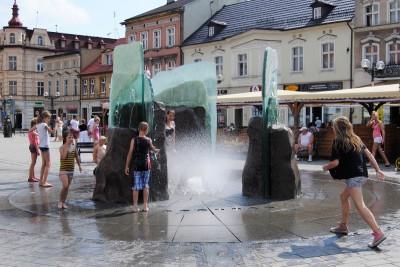 Fontanna na Rynku - Inowrocław - LG (2)