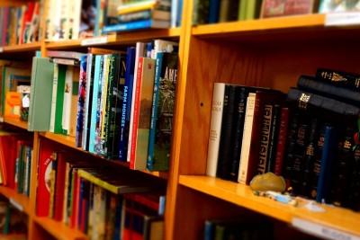 books-1379185_1920