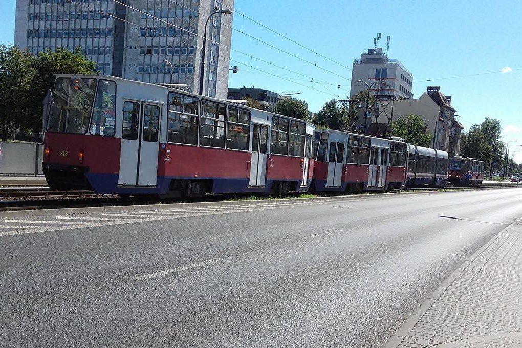linia 2, awaria, wykolejenie - JW