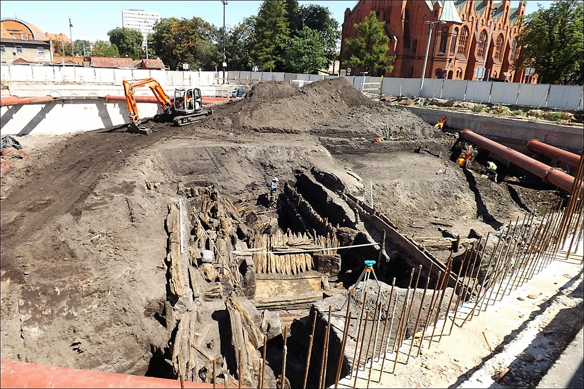 Prace archeologiczne przy budowie K-3