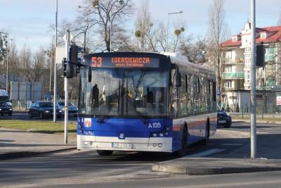Autobus - linia 53, Łukasiewicza, Piękna - LG