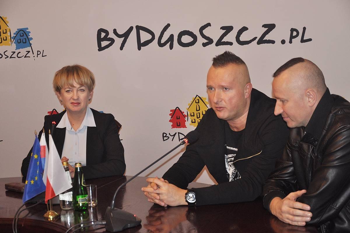 WOŚP, ROAN, Waszkiewicz