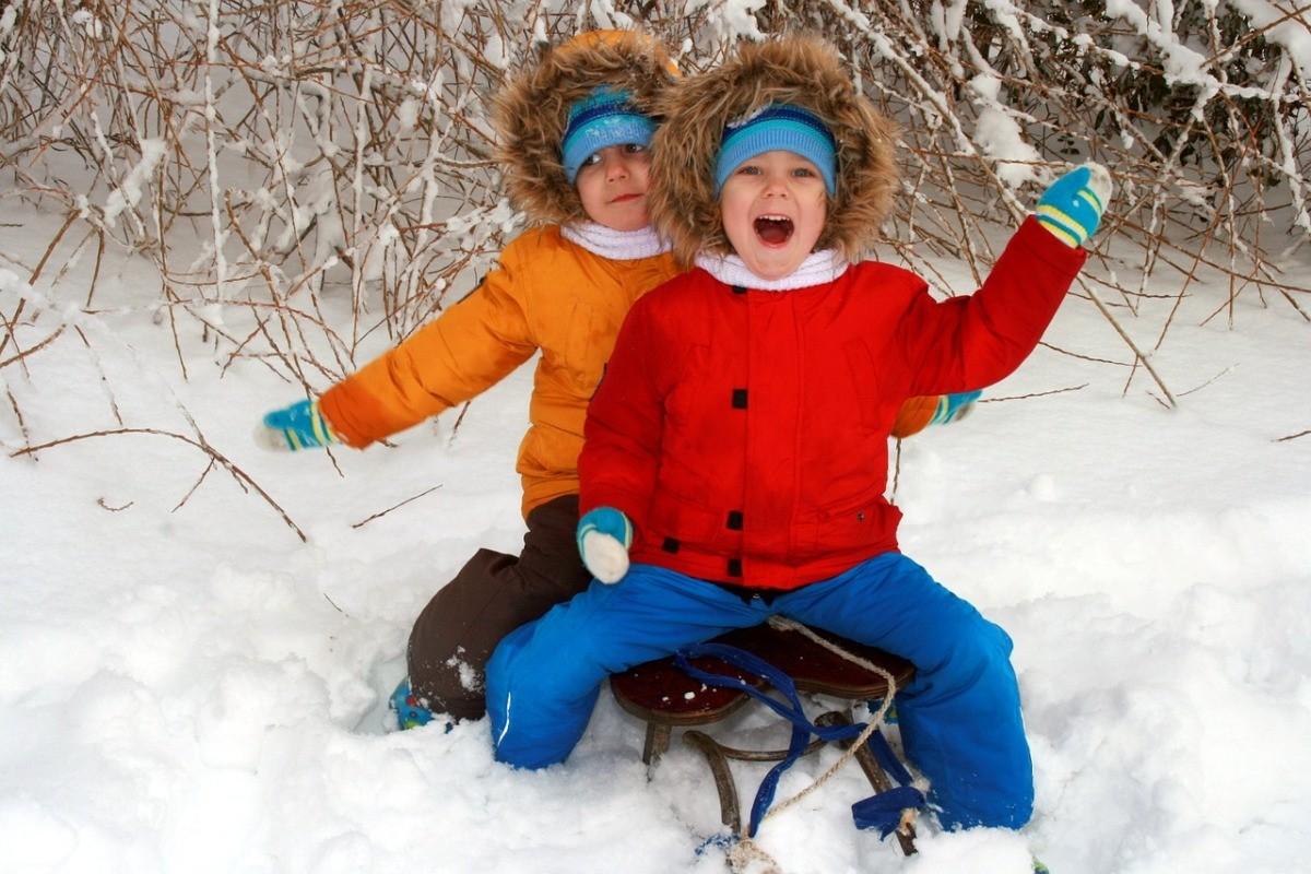 sanki_zima_śnieg_wolny_dostęp