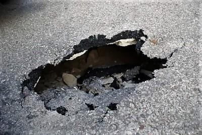 dziura w jezdni