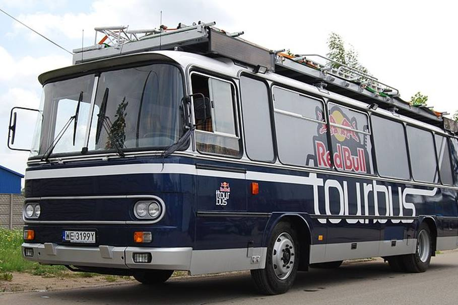 TOURBUS_RED_BULL