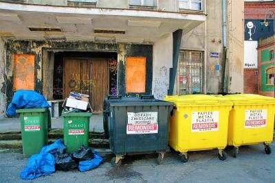 Teatr Kameralny i śmietniki