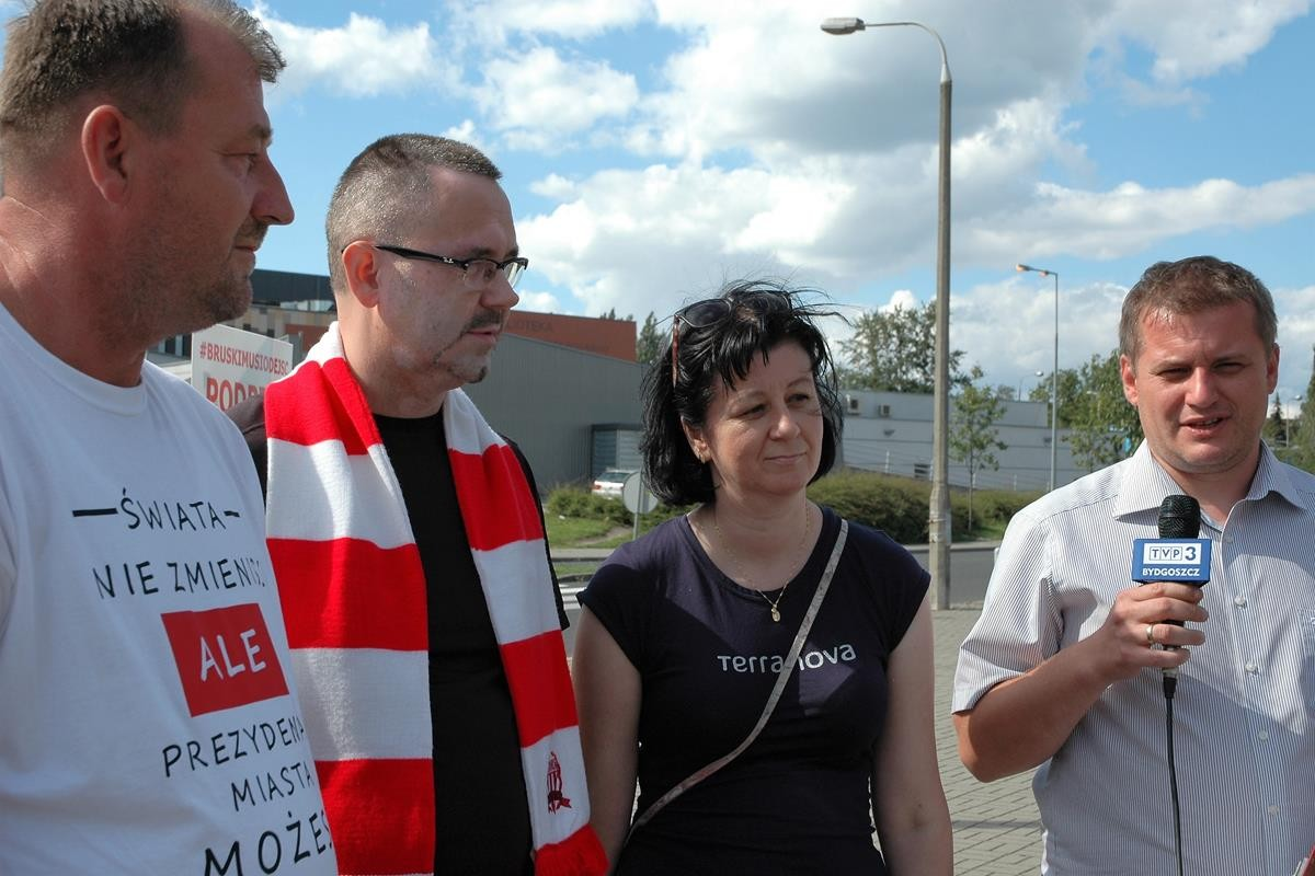 Bruski musi odejść_stadion Polonii_SG (4)