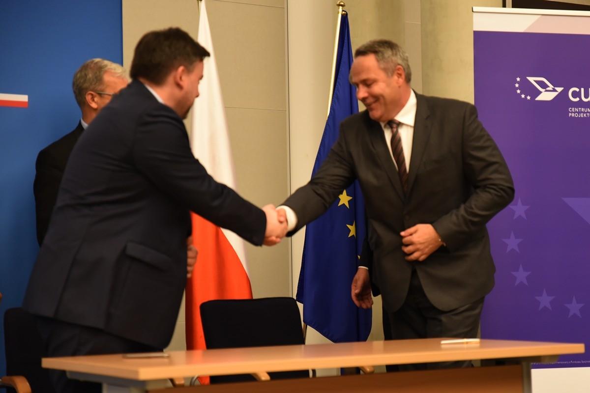 podpisanie umowy, cupt, kujawska, rafał bruski - umb