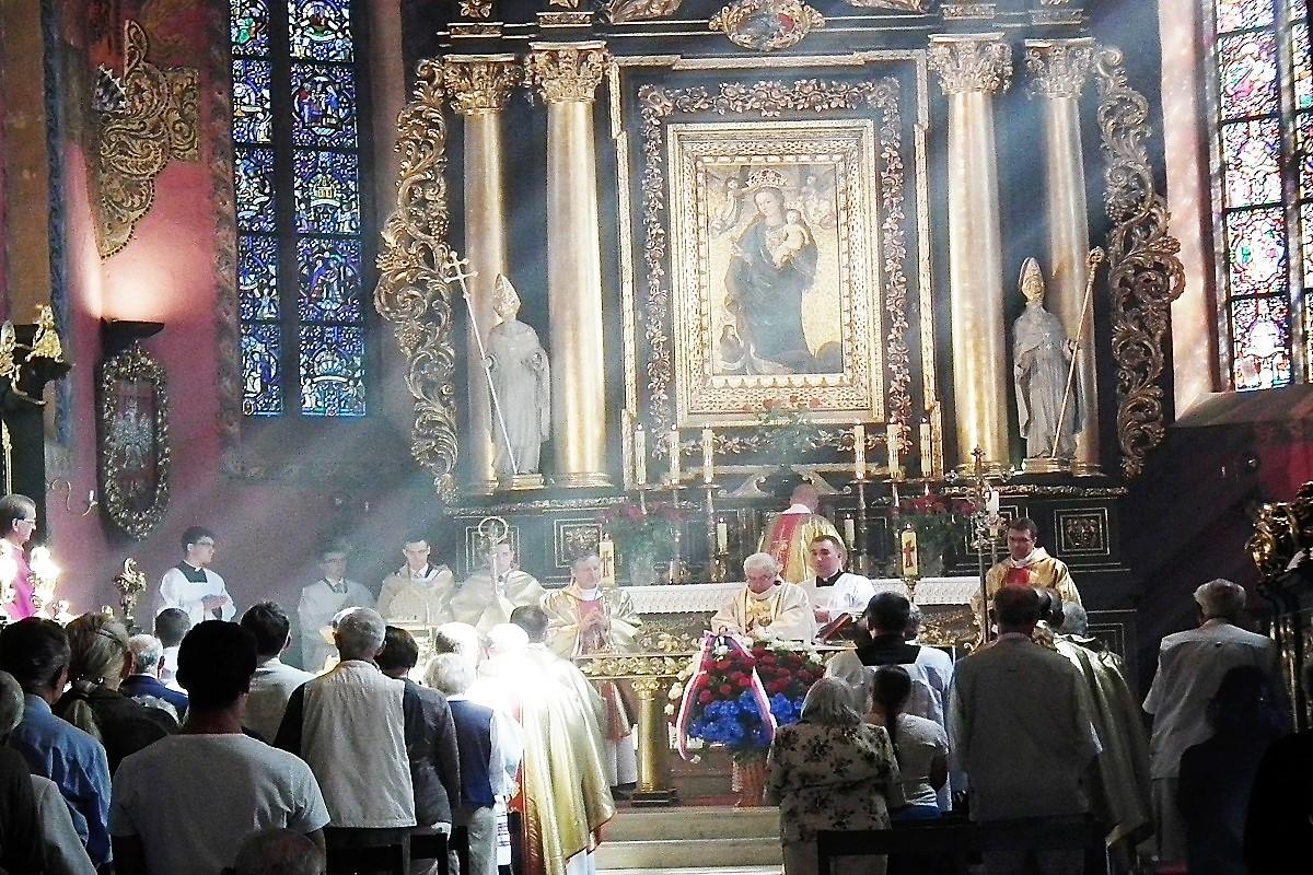 Katedra. Obraz Matki Bożej Pięknej Miłości.