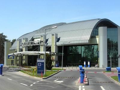 800px-Port_lotniczy_Bydgoszcz_-_terminal_2012_b
