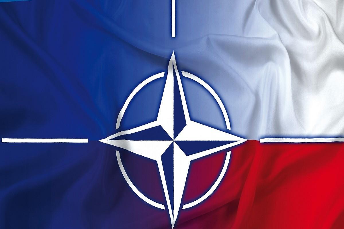Plakat NATO 2017