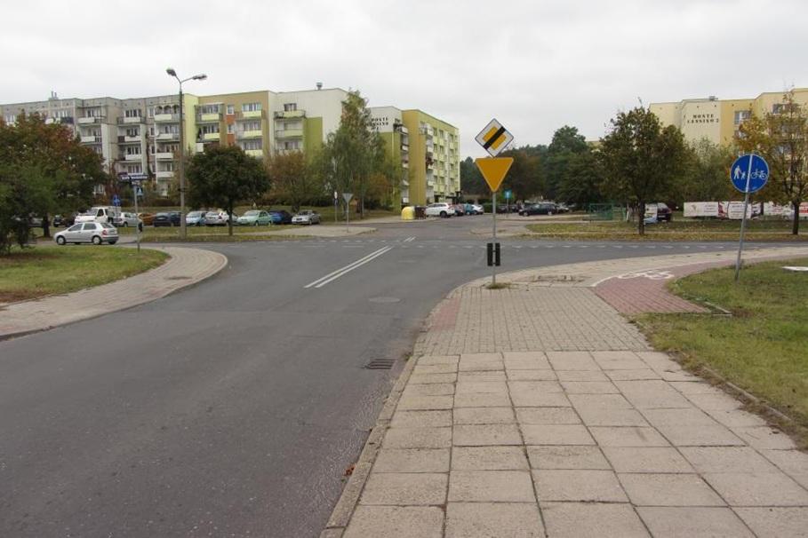 Skrzyżowanie-Twardzickiego-Kleeberga-w-Bydgoszczy.-Fot.-Robert-Reimus-3 życie miasto blog
