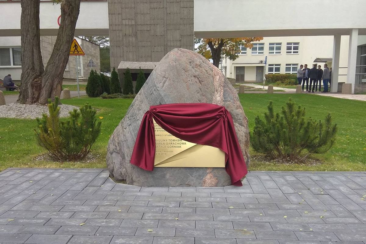 UTP_tragedia_rocznica_głaz_fot (11)