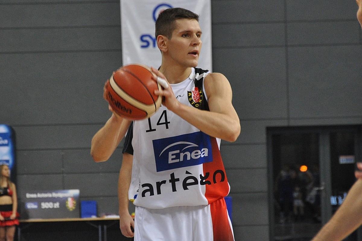 Astoria Bydgoszcz - Pogoń Prudnik, Mikołaj Grod - ST (1)