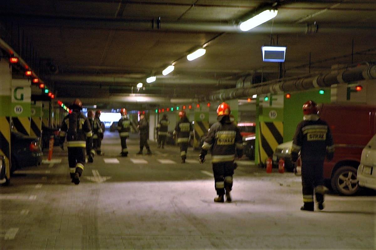 pożar, focus mall - SG (3)