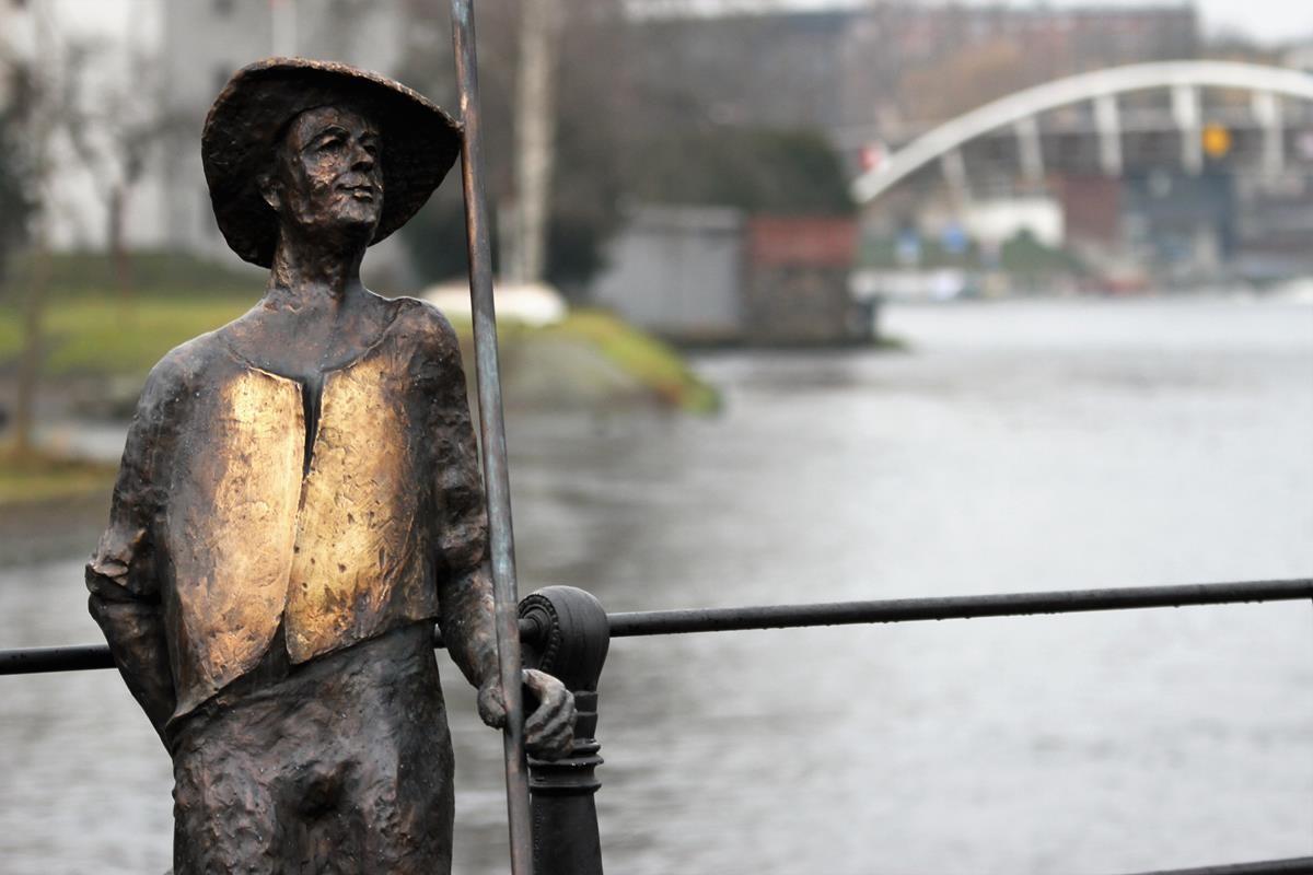 Rzeźba Flisaka nad Brdą_SG (6)