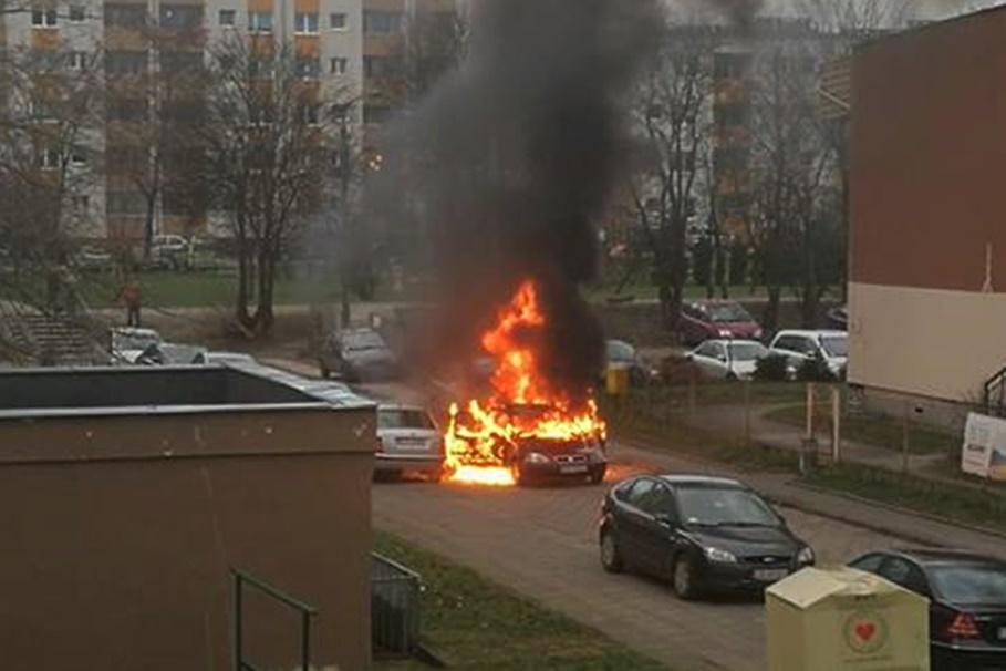 pożar_samochód_bartodzieje_parking_Bydgoszcz