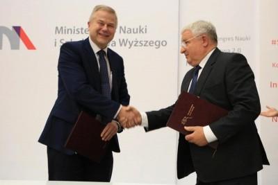 transport bezemisyjny_podpisanie umowy_MNiSW-1