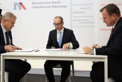 transport bezemisyjny_podpisanie umowy_MNiSW