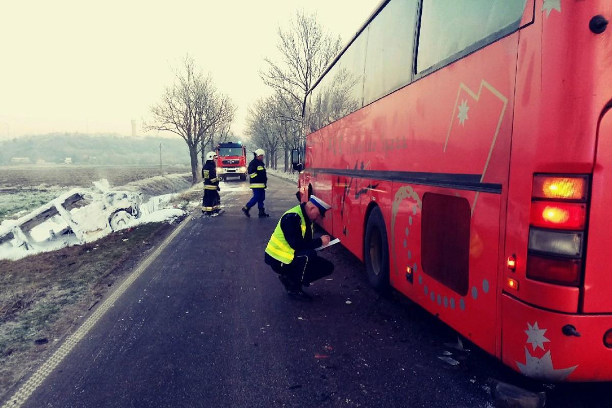 wypadek_Tryl_pow. świecki_bus_autobus