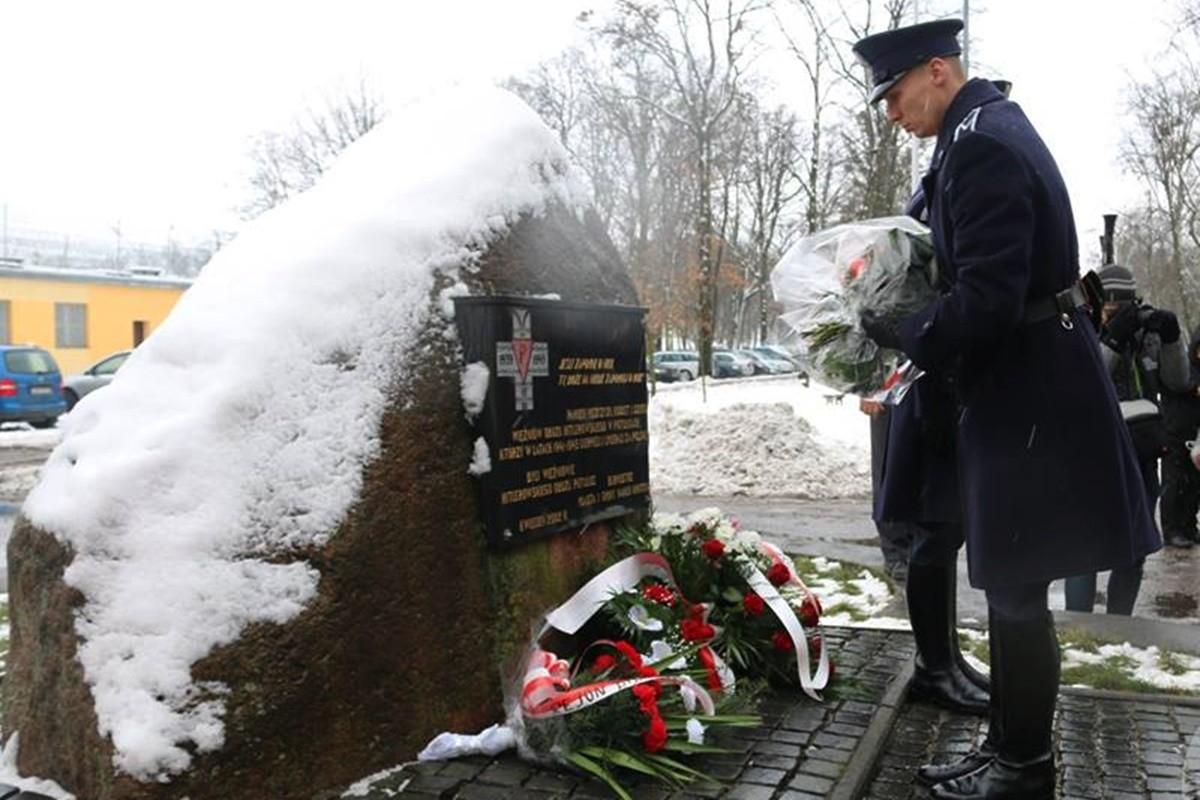 wyzwolenie niemieckiego obozu_Potulice_Anna Wolska_Nakło