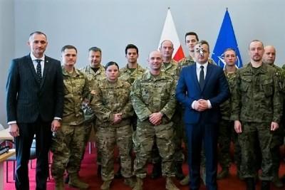 Żołnierze NATO u wojewody