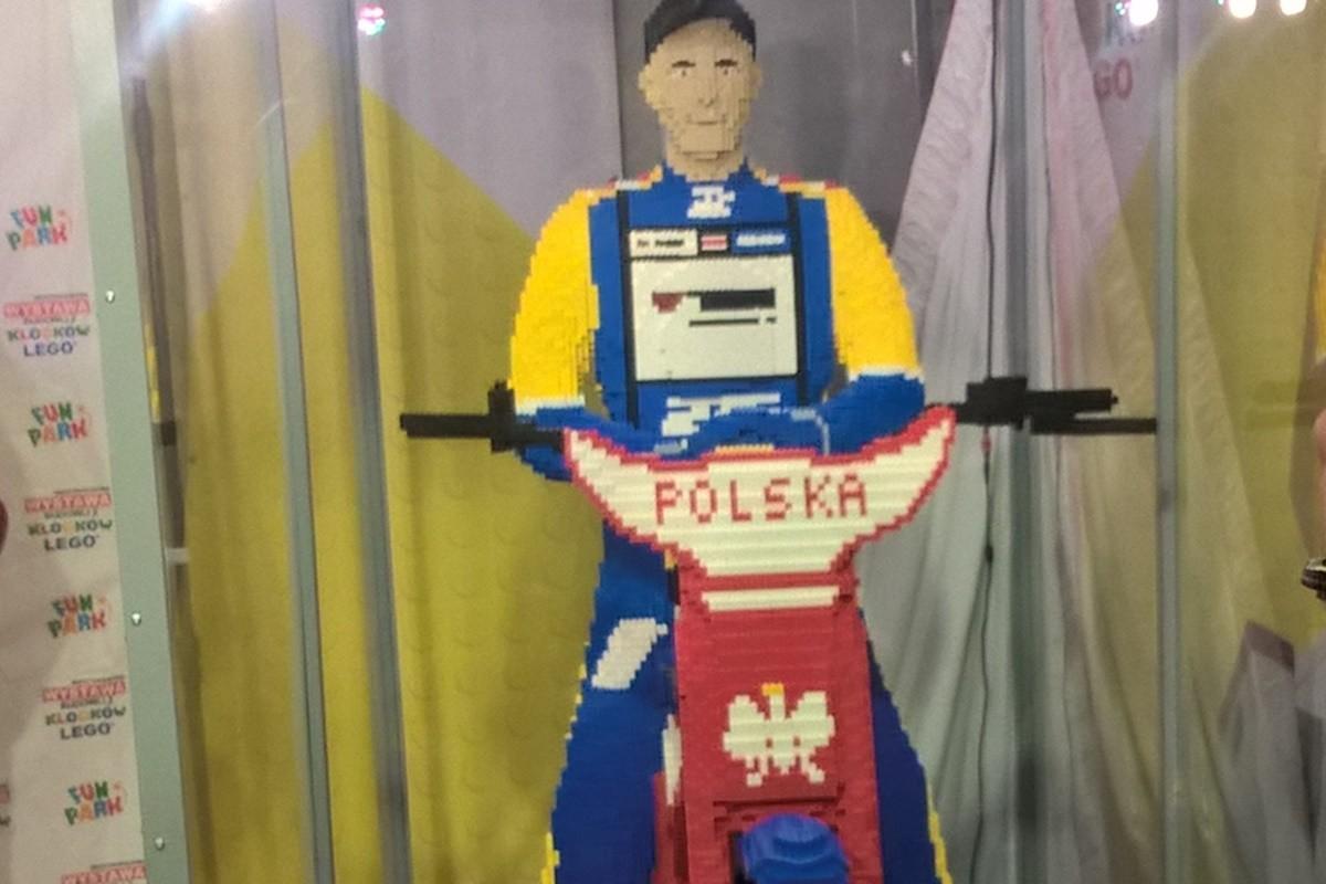 Figura z klocków Tomasza Golloba_wystawa Focus Bydgoszcz_SF