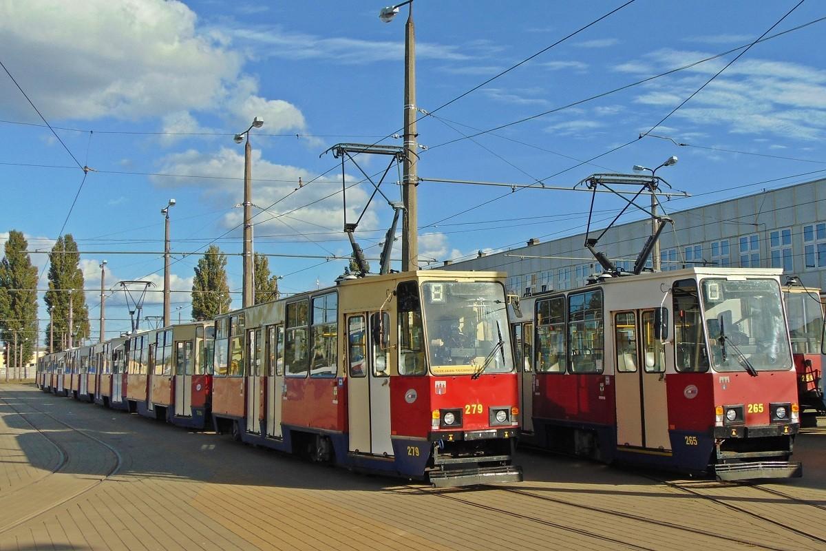 Zajezdnia-Tramwajowa-Toruńska-Tramwaj-Konstal-Komunikacja-BB-01