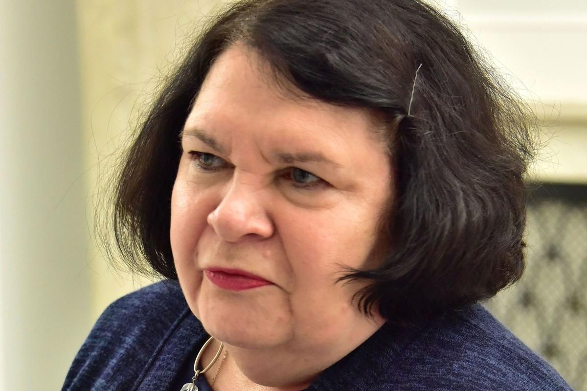 Anna Sobecka - Adrian Grycuk, wikipedia