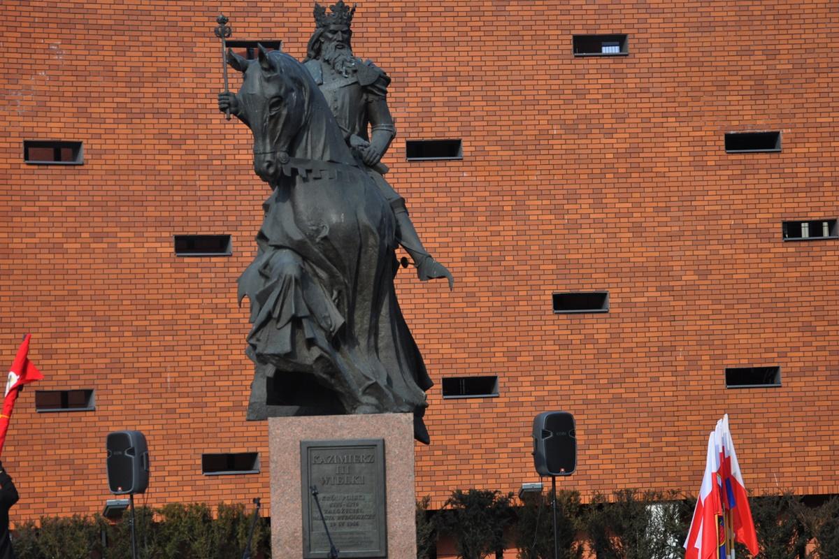 pomnik Kazimierza Wielkiego Bydgoszcz
