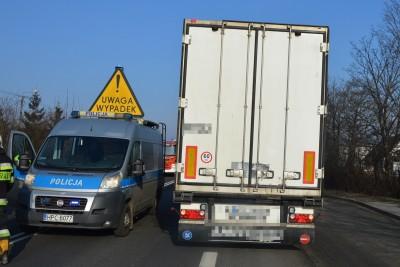 tragiczny wypadek_pow. toruński - potrącenie pieszych -1 KMP Toruń