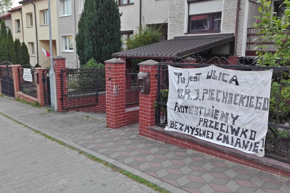 ulica-piechockiego-BB